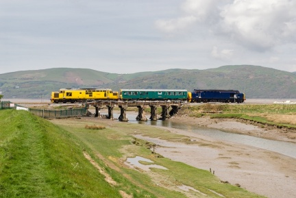 "97303, 975025 ""Caroline,"" 37423 ""Spirit of the Lakes,"" Clettwr bridge, 2Z01 Newport to Shrewsbury via Aberystwyth"