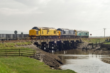 "97303, 37423 ""Spirit of the Lakes,"" 975025 ""Caroline,""  Ynyslas, 2Z01 Newport to Shrewsbury via Aberystwyth"